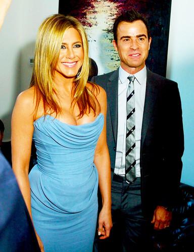Jennifer Aniston wallpaper with a business suit titled jennifer aniston beautiful