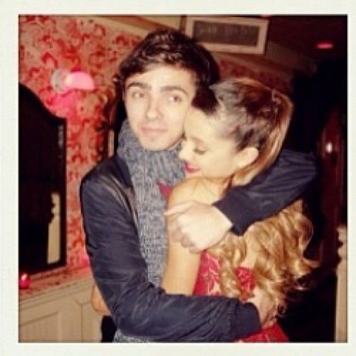 Nathan the wanted and ariana grande - photo#25