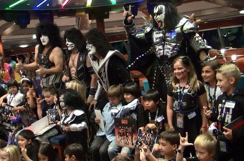 KISS wallpaper probably containing a bandsman entitled ★ Kiss Kruise October 2013 Meet & Greet ☆