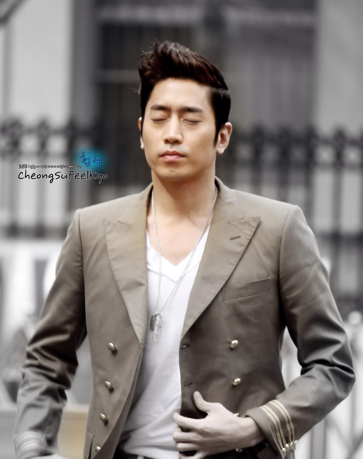 Eric Mun     Mun Jung Hyuk    Eric Mun