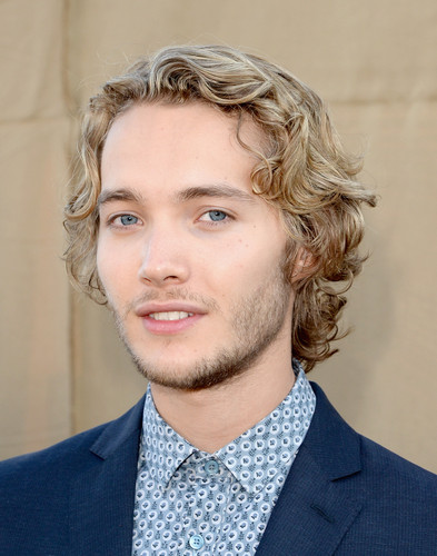 Toby Regbo fondo de pantalla with a business suit and a suit called Summer TCA party '13