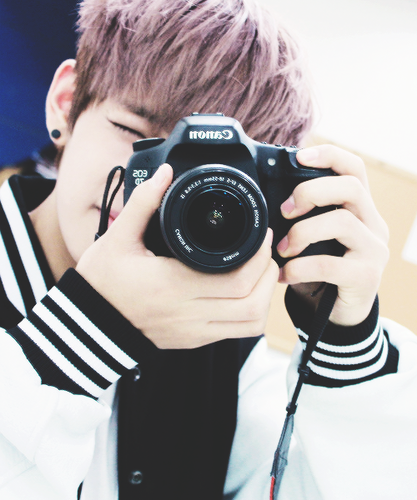 V (BTS) wolpeyper possibly with a reflex camera called ♣ Taehyung ♣