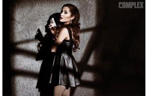 Ariana Grande Complex Magazine Cover Shoot द्वारा Gavin Bond