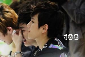 Baekhyun Jongro Fansign 120427