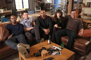 """Behind the Scenes Fotos from NEW GIRL: """"Coach"""""""