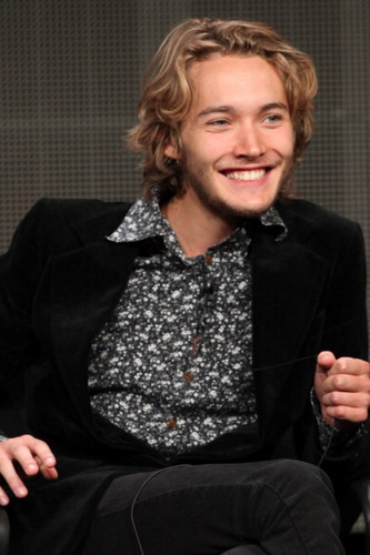 Toby Regbo fondo de pantalla with a business suit and a well dressed person titled CW Summer TCA - Reign Panel