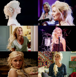 Scarlett's hair style