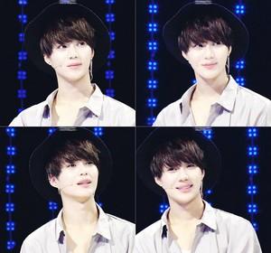 Cute Taemin @ 1 vs. 100 KBS दिखाना