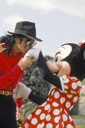 Michael Jackson Being The Gentleman With Minnie мышь