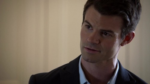 "Elijah & Hayley 壁紙 containing a business suit titled Elijah & Hayley in The Originals 1x06 ""Fruit of the Poisoned Tree"""