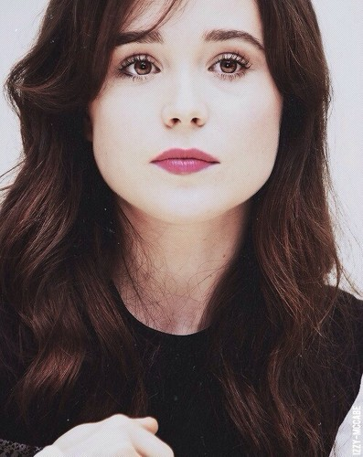 Ellen Page wallpaper probably containing a portrait titled Ellen so perfect