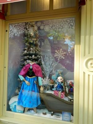 《冰雪奇缘》 showcase at Disneyland Paris