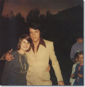 Elvis With A shabiki