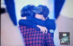 एक्सो Kai and SHINee Taemin Hugging - SHINee the Best Artist