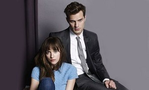Jamie Dornan&Dakota Johnson's first 照片 as Christian Grey and Ana Steele
