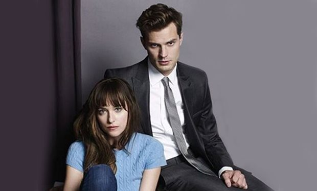 Jamie Dornan&Dakota Johnson's first 사진 as Christian Grey and Ana Steele