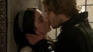 Frary kiss 1x05