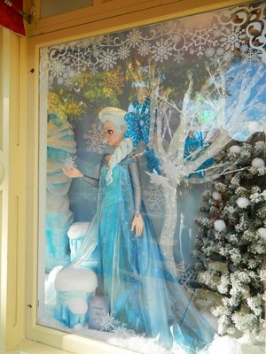 Frozen showcase at Disneyland Paris