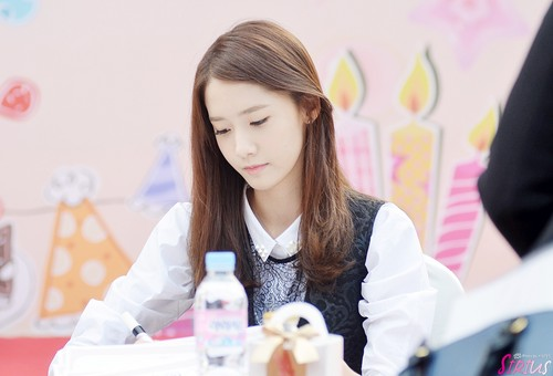 Girls Generation/SNSD wallpaper possibly containing a portrait entitled Lotte Fansign-Yoona