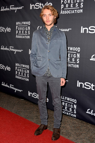 Toby Regbo fondo de pantalla with a sign entitled HFPA/InStyle Party