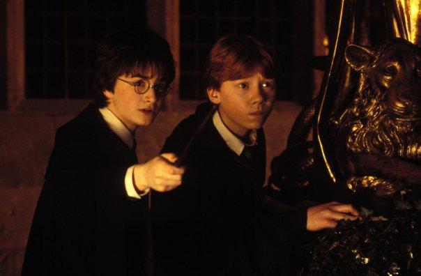 ハリーポッターとロンが秘密の部屋へ行く壁紙