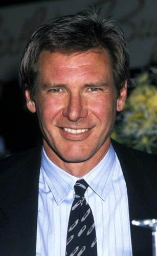 Harrison Ford वॉलपेपर containing a business suit, a suit, and a judge advocate called Harry