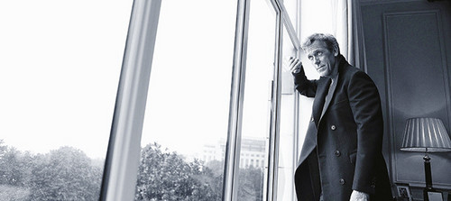 Hugh Laurie wallpaper entitled Hugh Laurie-madame le figaro (november 2013)