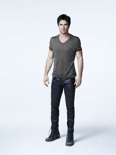 Damon Salvatore wolpeyper containing bellbottom trousers, a pantleg, and long trousers called Ian Somerhalder - Promotional litrato S5