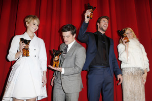 The Hunger Games: Catching feu Berlin Premiere - Inside