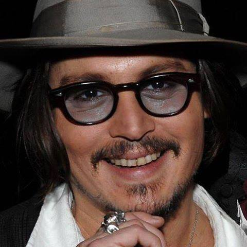 Johnny Depp wallpaper containing a fedora and a boater entitled Sweet smile ❤