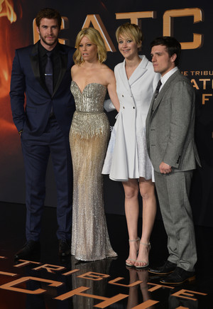 The Hunger Game: Catching 火, 消防 Berlin Premiere
