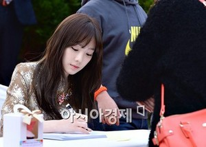 Lotte Fansign-Taeyeon