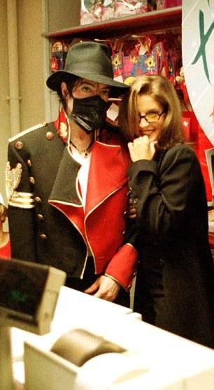 Michael And Lisa Marie In Luân Đôn Back In 1997