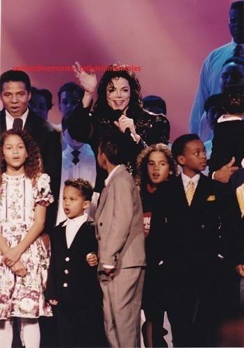 Jackson Family Honors Awards Ceremony Back In 1994