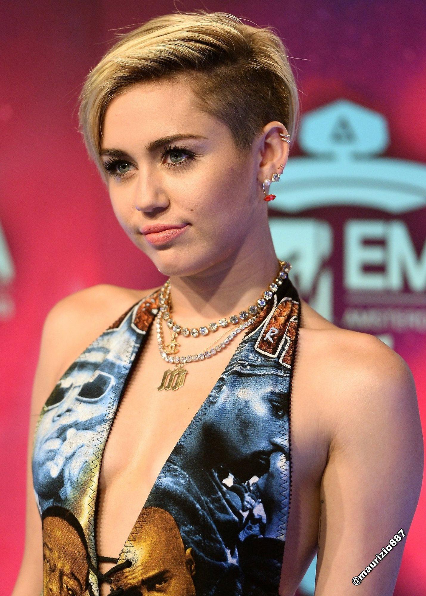 Miley Cyrus images Miley Cyrus MTV EMA 2013 HD wallpaper ...