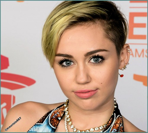 miley cyrus wallpaper containing a portrait entitled Miley Cyrus mtv EMA 2013