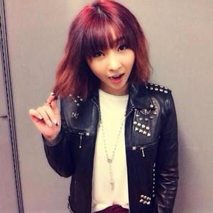 "Minzy's Instagram Update: ""#RockandRoll"" (131029)"