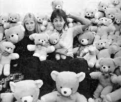 Paul McCartney wallpaper entitled Moo