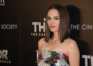 Attending a screening of 'Thor: The Dark World' hosted por The Cinema Society and Dior Beauty, Ne