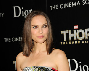 Attending a screening of 'Thor: The Dark World' hosted door The Cinema Society and Dior Beauty, Ne