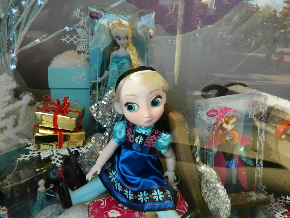 Nữ hoàng băng giá showcase at Disneyland Paris