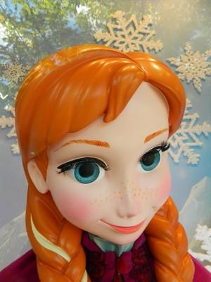 Frozen - Uma Aventura Congelante showcase at Disneyland Paris