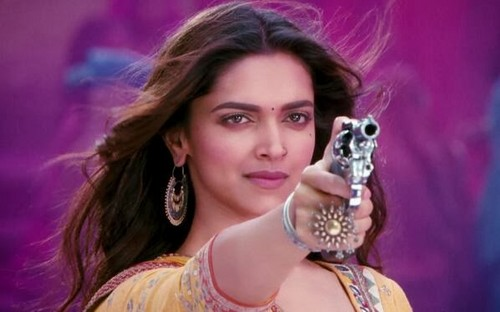 Deepika Padukone fond d'écran probably containing a portrait entitled Ram-Leela