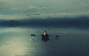 Alone on the Lake 壁紙