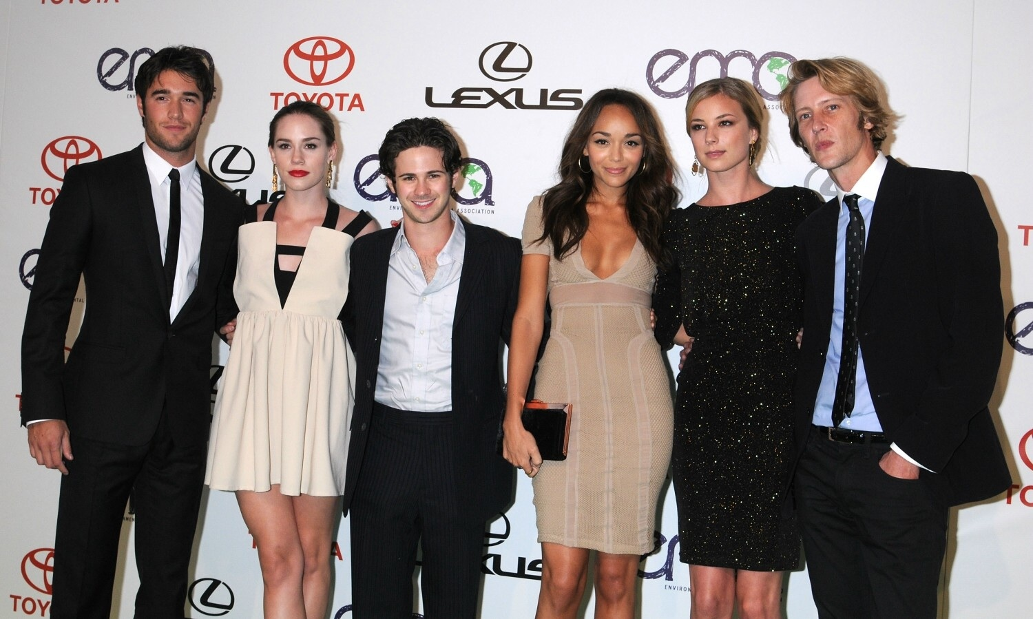 Revenge images Revenge cast HD wallpaper and background ...