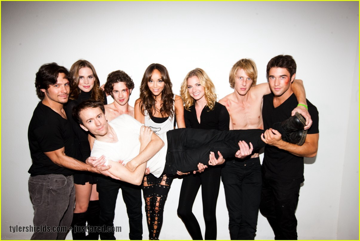 Revenge cast - Revenge Photo (36006630) - Fanpop - Page 9