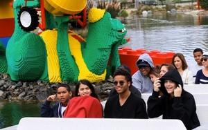 Royal Jackson, Blanket Jackson, Donte Jackson and Paris Jackson at Disneyland June 2013