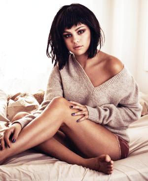 Selena Gomez FlauNt Magazine Photohsoot
