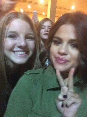 Selena with fan after her Las Vegas konser - November 9