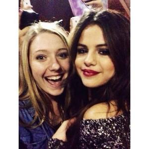 Selena meets 팬 after her 음악회, 콘서트 - November 10